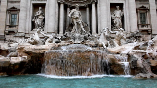 stockvideo's en b-roll-footage met trevi fountain (hd) - fontein