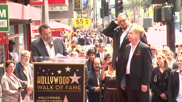 vídeos y material grabado en eventos de stock de speech trey parker on how penn and teller influenced him at penn teller honored with star on the hollywood walk of fame in hollywood ca on 4/5/2013 - trey parker