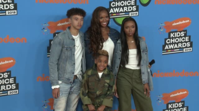 trey peelenygard dj peele beverly peele and cairo peele at the nickelodeon's 2018 kids' choice awards at the forum on march 24 2018 in inglewood... - 31st annual nickelodeon kids' choice awards stock videos and b-roll footage