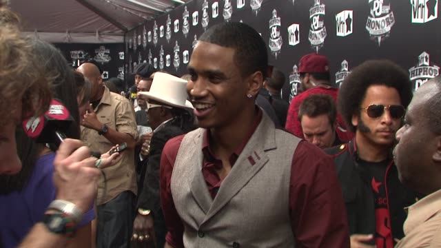 trey songz at the 2009 vh1 hip hop honors red carpet at new york ny - vh1 stock-videos und b-roll-filmmaterial