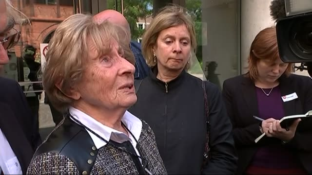 trial of former auschwitz guard oskar groening: british survivor susan pollack gives evidence; germany: lueneburg: ext susan pollack speaking to... - リューネブルグ点の映像素材/bロール