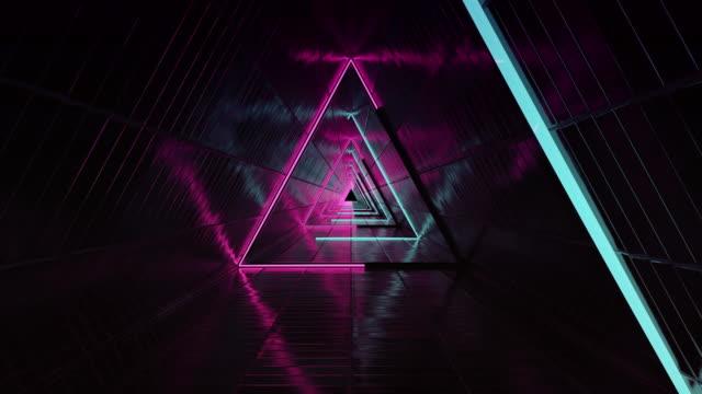 vídeos de stock, filmes e b-roll de circuito do túnel triângulo a - infinito