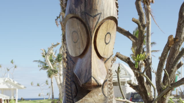 vanuatu - march 28, 2015: cu tribal statue - oceania stock videos and b-roll footage