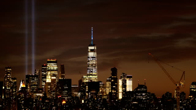 tribute in light nyc skyline - one world trade center stock videos & royalty-free footage