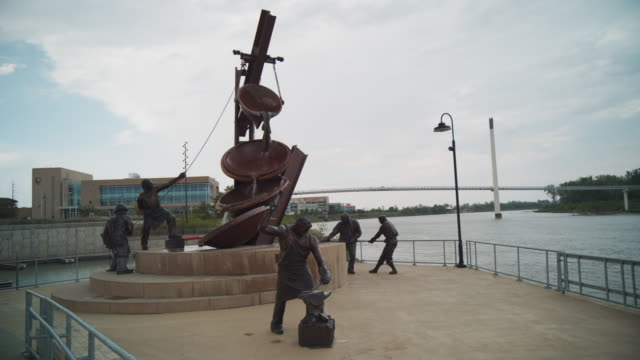 "Tribute to labor sculpture along the Missouri River, titled ""Labor"" by Matthew Placeck."
