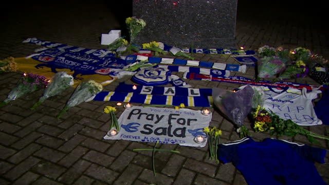 tributes left for footballer emiliano sala at cardiff city football club - tribute event stock videos & royalty-free footage