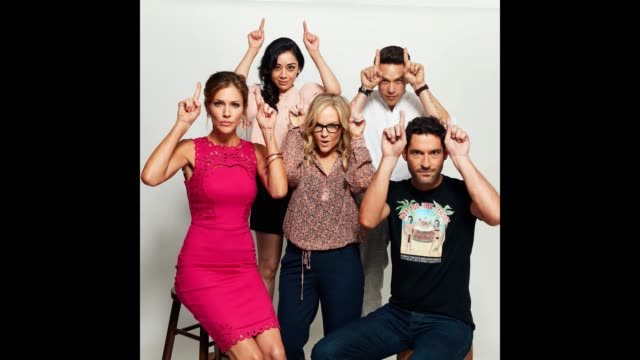 tricia helfer aimee garcia rachael harris kevin alejandro and tom ellis pose for a portrait gif at the 2017 comiccon portrait studio at hard rock... - rachael harris stock videos and b-roll footage