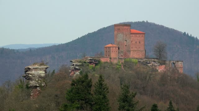 trifels castle near annweiler, palatinate forest, rhineland-palatinate, germany, europe - fortress stock videos & royalty-free footage