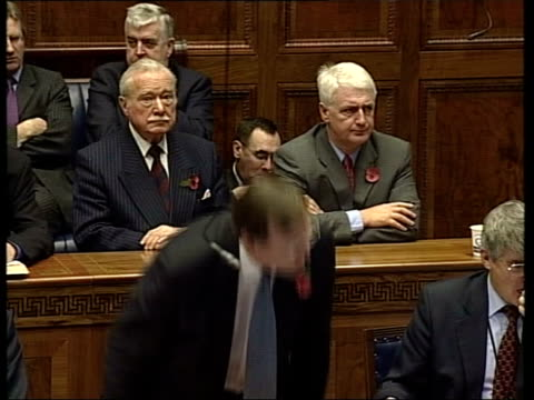 stockvideo's en b-roll-footage met trimble loses first minister vote pool northern ireland belfast int david trimble mp accepting nomination as northern ireland first minister sot... - david trimble