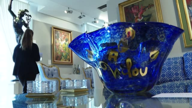 FRA: Late nightlife icon's blue obsession on auction in Paris