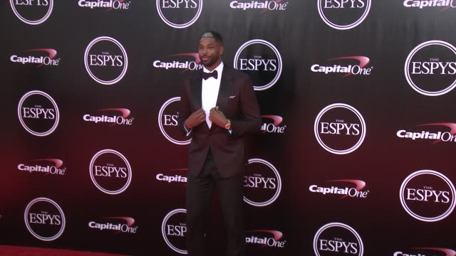 vídeos de stock, filmes e b-roll de tristian thompson at the 2016 espy awards at microsoft theater on july 13 2016 in los angeles california - espy awards
