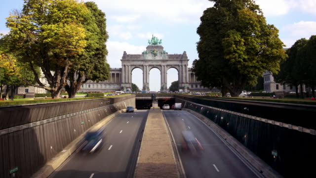 triumphal arch, parc du cinquantenaire, brussels, belgium - arch architectural feature stock videos and b-roll footage
