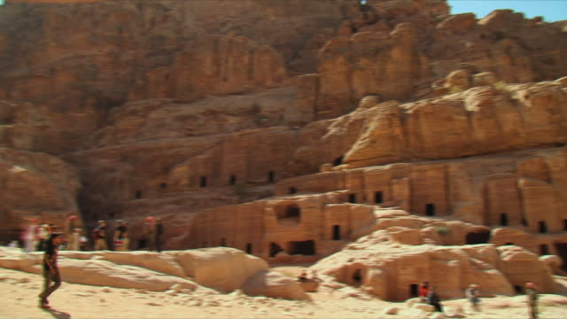 WS PAN Troglodytae homes in ancient city of Petra / Jordan