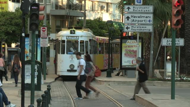 trolley, antalya, turkey - 路面軌道点の映像素材/bロール