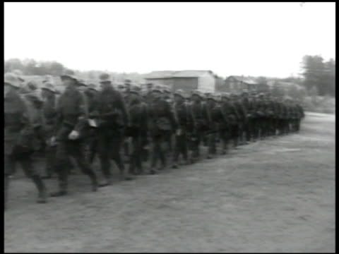 vídeos de stock e filmes b-roll de finland troops marching in city soldiers walking on farmland soldiers into small boats soldiers in boats on rapid river soldiers in woods leading... - rapid city
