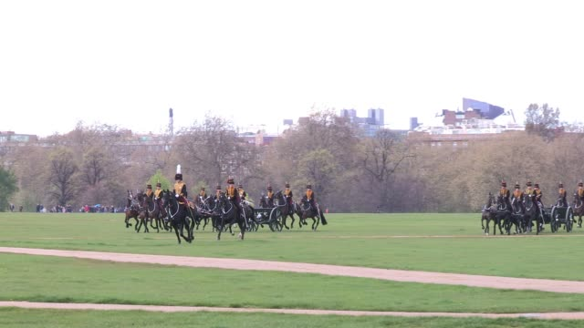 troops ride in and assume position as the king's troop royal horse artillery mark the queen's 86th birthday queen elizabeth ii 86th birthday gun... - royal horse artillery stock videos and b-roll footage