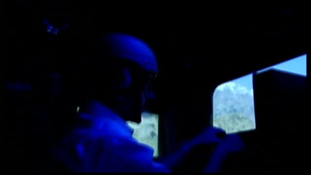 us troops train for afghanistan ied threat usa virginia us soldier 'driving' computer simulated version of us military vehicle along road in... - soldat stock-videos und b-roll-filmmaterial