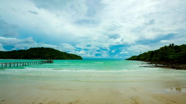 tropical spiaggia - paesaggio marino video stock e b–roll
