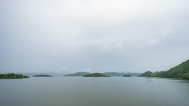 tropische see nach regen, zeitraffer-video - hd format stock-videos und b-roll-filmmaterial