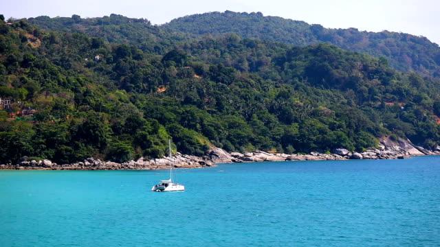 プーケット島タイの熱帯の海の風景です。 - プーケット県点の映像素材/bロール