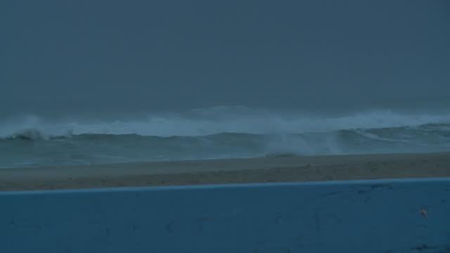 wghp tropical storm florence pounds atlantic beach north carolina on september 13 2018 - atlantic beach north carolina stock videos & royalty-free footage