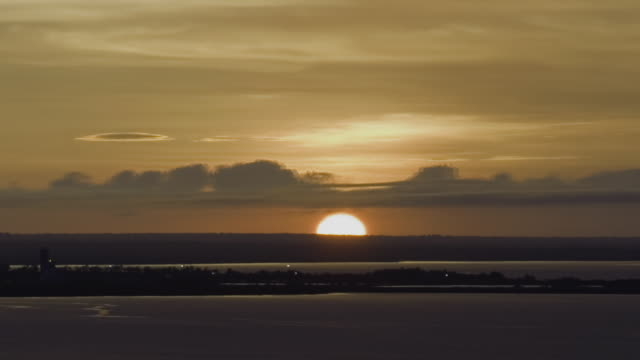 WS ZO T/L Tropical sunrise over Darwin Harbour / Darwin, Northern Territory, Australia