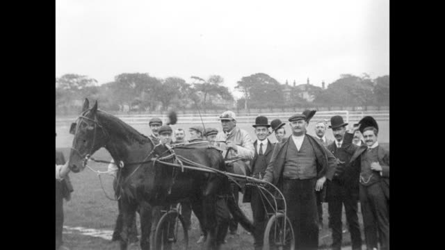 trotting match at springfield park, wigan 1904 - pferderennbahn stock-videos und b-roll-filmmaterial
