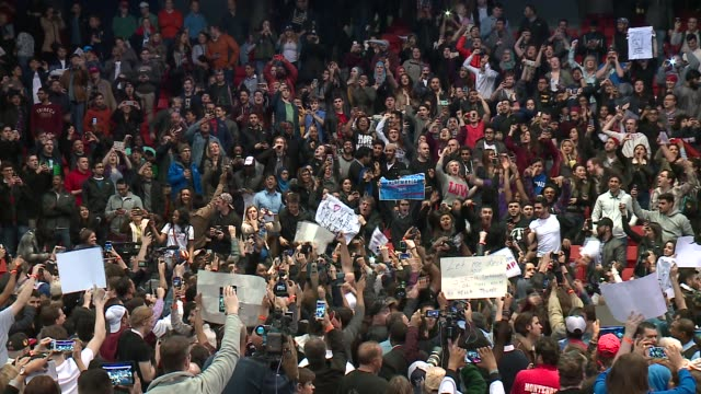 stockvideo's en b-roll-footage met wgn trump protesters chant 'bernie' inside canceled trump rally at the uic pavilion in chicago on march 11 2016 - chanten
