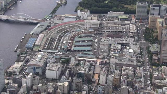 vídeos y material grabado en eventos de stock de aerial, tsukiji fish market, tokyo - paso de cebra