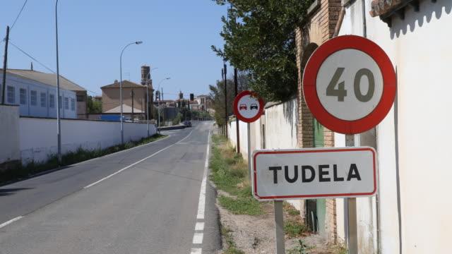 vídeos y material grabado en eventos de stock de tudela - sign
