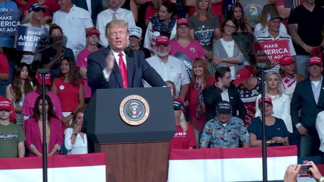 tulsa, ok, u.s. - president donald trump speaks at rally at the bok center in tulsa, ok on saturday, june 20, 2020. on saturday, president trump held... - 演壇点の映像素材/bロール