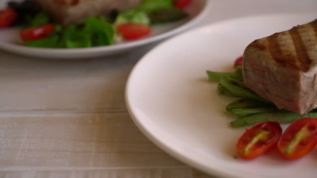 tuna steak with salad