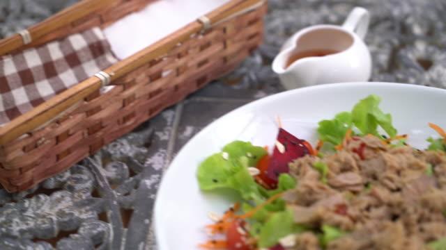 tuna with vegetable salad