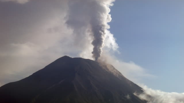 tungurahua volcano, ecuador in eruption february 2014. timelapse - ecuador stock videos and b-roll footage