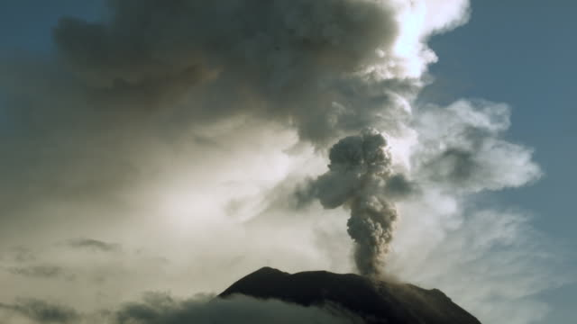 tungurahua volcano, ecuador in eruption february 2014. time-lapse - volcano stock videos & royalty-free footage