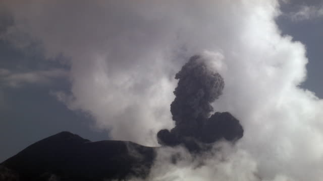 tungurahua volcano erupting, february 2004, ecuador - volcano stock videos & royalty-free footage