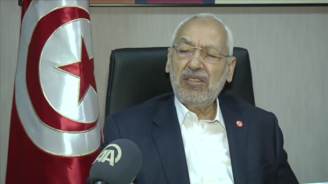 vidéos et rushes de tunisian ennahda movement leader rached ghannouchi speaks during an exclusive interview in tunis tunisia on february 07 2017 - exclusivité