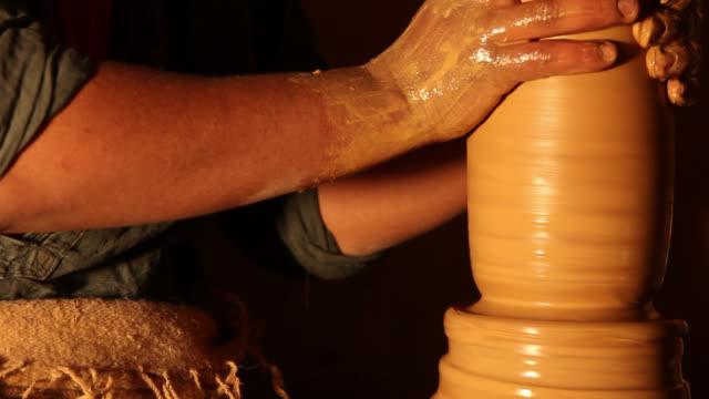 Tunisian Potter makes traditional pottery