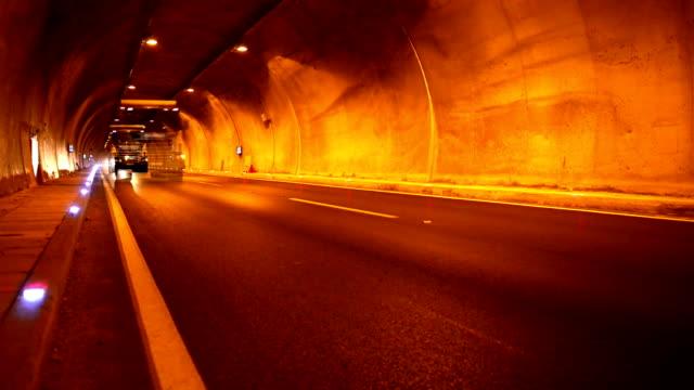 HD - Tunnel Night Traffic