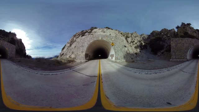 vídeos de stock, filmes e b-roll de tunnel through angeles national forest - angeles national forest
