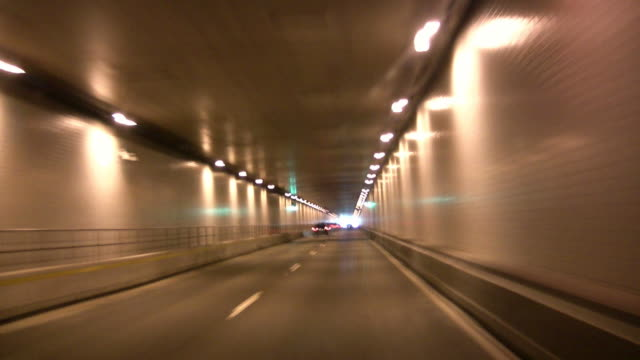 Tunnel, um trocken und warm