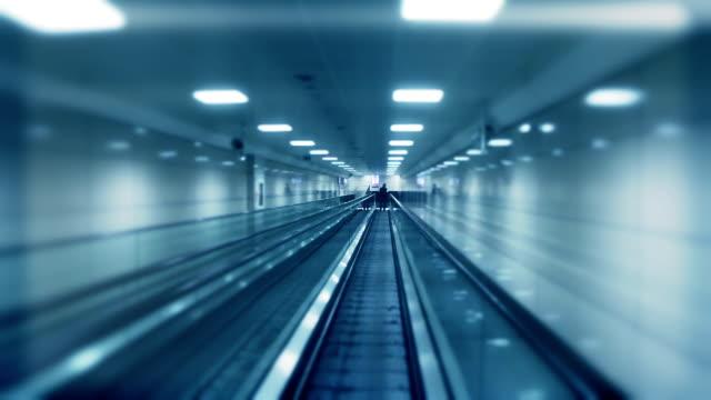 vidéos et rushes de tunnel - éternité