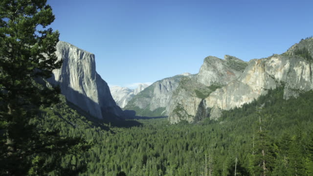 tunnel view in yosemite national park - 20秒或更長 個影片檔及 b 捲影像