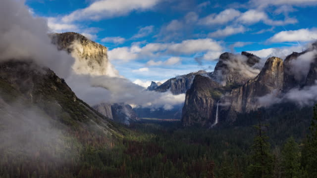 tunnel view on foggy winter day - time lapse - national landmark stock videos & royalty-free footage