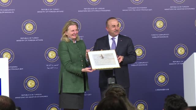 turkey and austria vow to work to improve relations battered by the opposition of the new conservative far right austrian government coalition to... - österrikisk kultur bildbanksvideor och videomaterial från bakom kulisserna