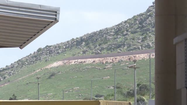 turkey is building a 3 metre high nearly 910 kilometre long wall along its border with syria in an attempt to curb illegal entry into the country - kilometre stock videos & royalty-free footage