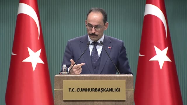 vídeos de stock e filmes b-roll de turkey is not just a client of us f35 fighter jets but also its technology partner turkish presidential spokesman said on thursday speaking to the... - porta voz masculino