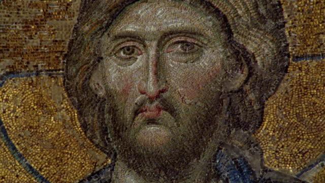 vídeos y material grabado en eventos de stock de cu, tu, turkey, istanbul, hagia sophia, christ in deesis mosaics - mosaico