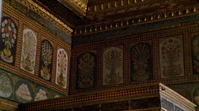 cu, turkey, istanbul, topkapi palace, decorated wall - palace stock videos & royalty-free footage