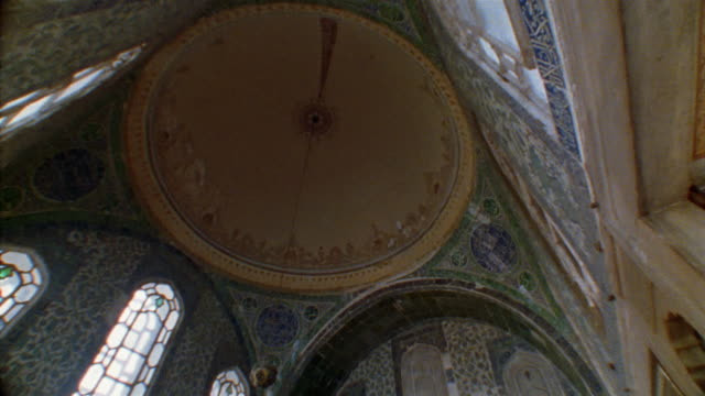 stockvideo's en b-roll-footage met la, tu, ms, turkey, istanbul, topkapi palace, dome of imperial hall - 16e eeuwse stijl
